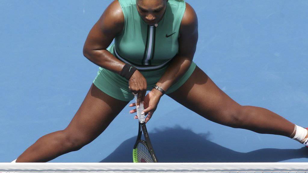 Eigenwilliges Outfit: Serena Williams im grünen Einteiler und mit Kompressionsstrümpfen