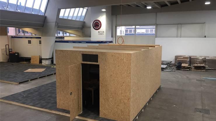 Der Prototyp: 62 dieser Holzhütten werden nun in der Halle 9 in Zürich Oerlikon aufgebaut. zvg