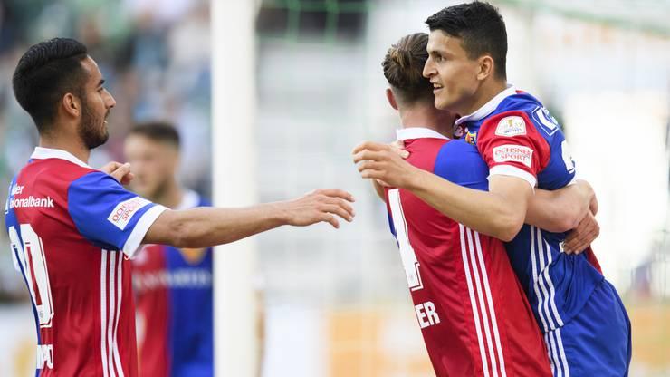Basel bejubelt den Treffer zum 1-1