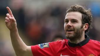 Manchester-United-Fussballer Juan Mata verdient mehrere Millionen Euro im Jahr - einen Teil davon will er nun für soziale Fussballprojekte spenden. (Archivbild)