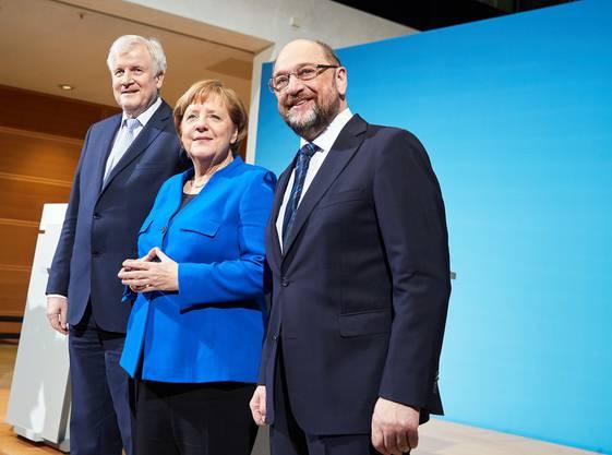 Horst Seehofer (CSU), Angela Merkel (CDU) und Martin Schulz: Die drei Parteichefs wären sich einig.