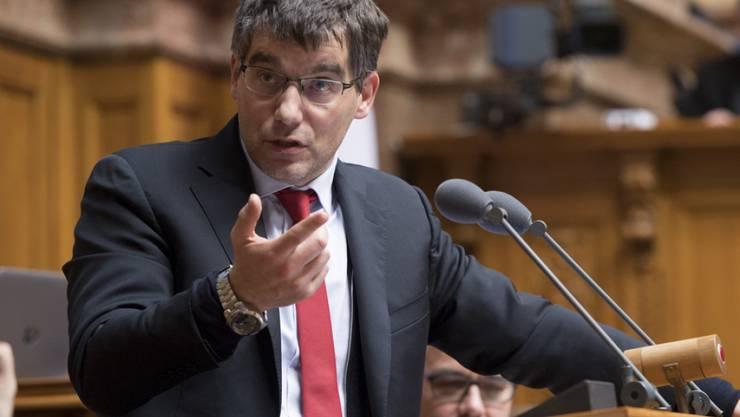 SP-Fraktionspräsident Roger Nordmann fordert den Rücktritt von Post-Chefin Susanne Ruoff. In seinen Augen ist sie nicht mehr tragbar. (Archivbild)