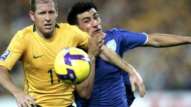 Scott Chipperfield (l.) mit Australien vor WM-Qualifikation