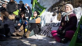 Die schwedische Klima-Aktivistin wird wie letztes Jahr mit dem Zug ans WEF in Davos reisen. (Archivbild)