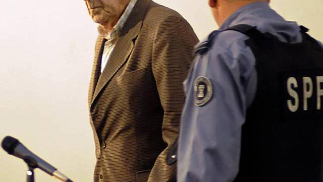 Bignone betritt die Anklagebank