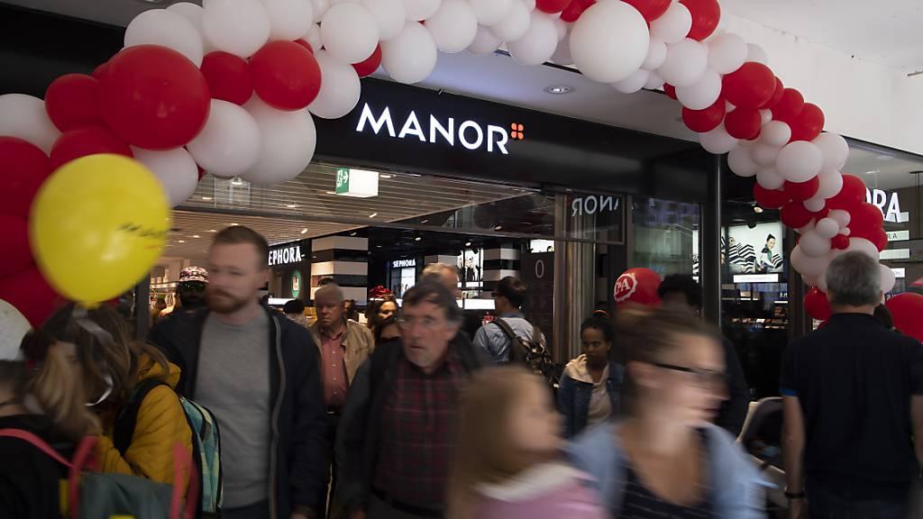 Die Multimedia- und Elektronikkette Fnac eröffnet neun weitere Shops in Manor-Warenhäuser in der Westschweiz. Zudem sind auch Shops in der Deutschschweiz und im Tessin geplant. (Archivbild)