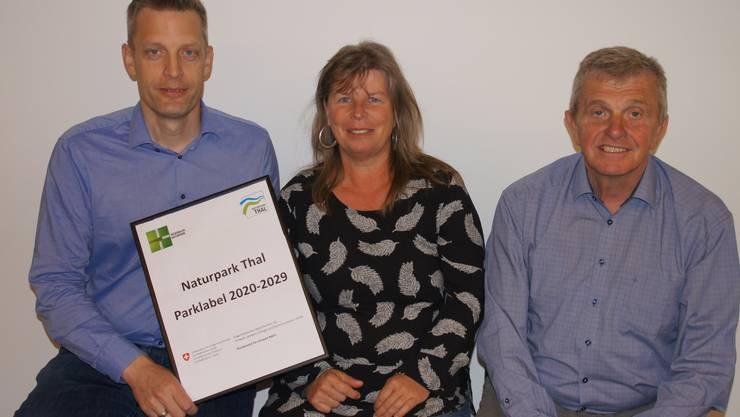 vl. Sacha Peter (Chef Amt für Raumplanung Kt. Solothurn), Ines Kreinacke (Geschäftsführerin Naturpark Thal), Bruno Born (Präsident Verein Region Thal / Naturpark Thal)