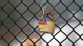 Ein Schloss um Deutschland: Die Regierung in Berlin plant einen harten Lockdown.