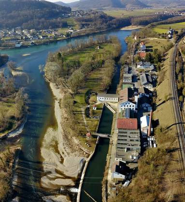 Das ehemalige Industriegebiet Stroppel in Untersiggenthal aus 150 m Höhe im tollsten Frühlingslicht.