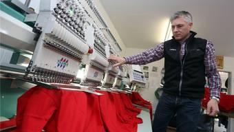 Dieter Runkel: ehemals Radsportler, jetzt mit eigener Stickerei