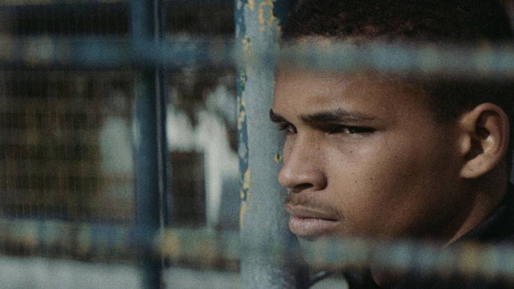 Spira (Michael Spencer) kehrt nach acht Jahren in einer Erziehungsanstalt in sein Heimatdorf zurück. (Bild: Locarno Film Festival).