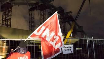 Statt saisonale Spitzen zu brechen, wird Temporärarbeit auf dem Bau heute immer mehr missbraucht, um zu billigen Arbeitskräften zu kommen, kritisiert die Unia. (Symbolbild)