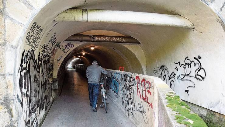 Nach der Sanierung wird das Velofahren in der Süssbachunterführung zwischen Brugg und Windisch erlaubt.