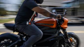 """Angeblich Probleme mit der Batterie: Harley-Davidson stoppte die Produktion seines Elektromotorrads """"LiveWire"""" vorläufig. (Archivbild)"""