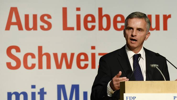 Didier Burkhalter am FDP-Parteitag in Schwanden: «Die SVP-Initiative löst kein einziges Problem, sie schaft bloss neue».