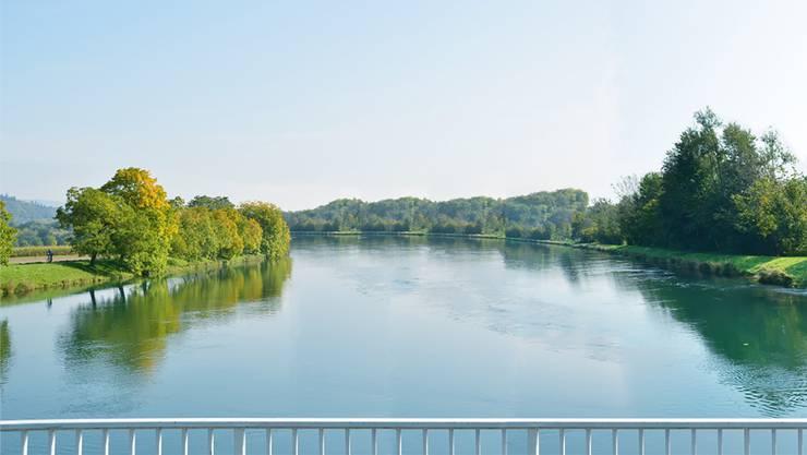 So soll der Oberwasserkanal (gesehen von der Brücke beim Schönenwerder Wehr) künftig aussehen. Der Kraftwerk-«See» wird viel breiter sein als heute. zvg eniwa