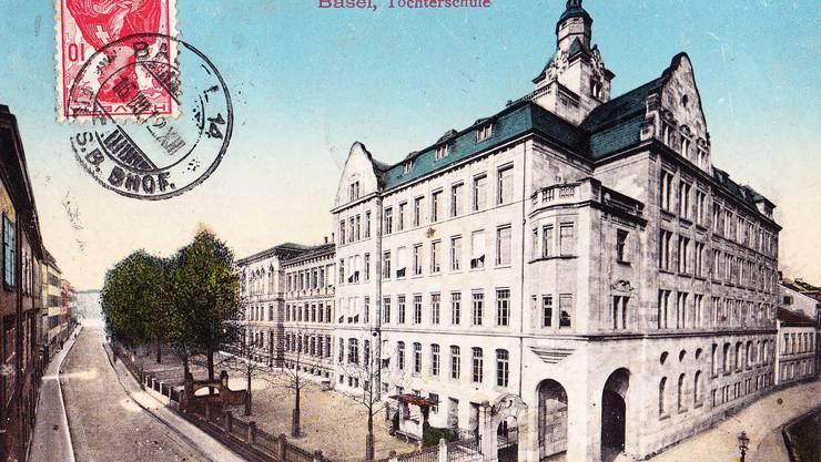 Die Töchterschule in Basel auf einer Postkarte aus dem Jahr 1912.