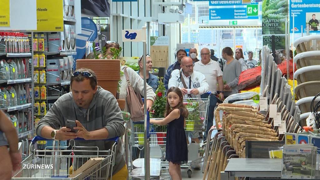 Grossandrang füllt die Kassen der Baumärkte