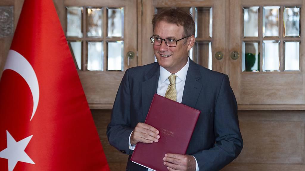 Türkischer Botschafter kündigt Aufhebung von Ausreisestopps an