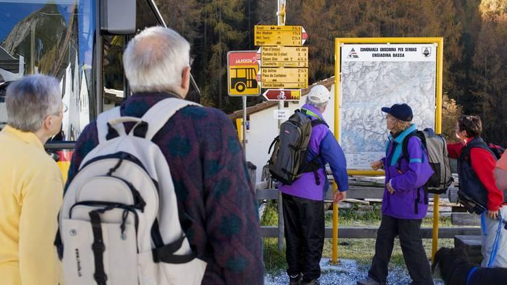 Wanderer und Autofahrer kamen sich in die Quere (Symbolbild).