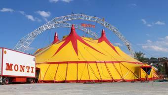 Neues Zelt des Circus Monti