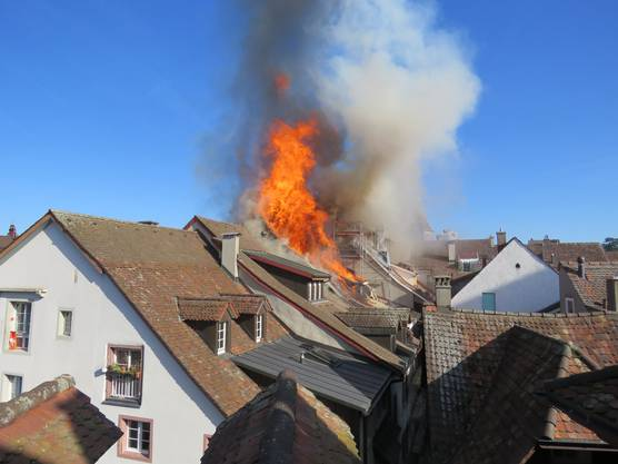 Bilder vom Einsatzort in der Aarauer Rathausgasse.