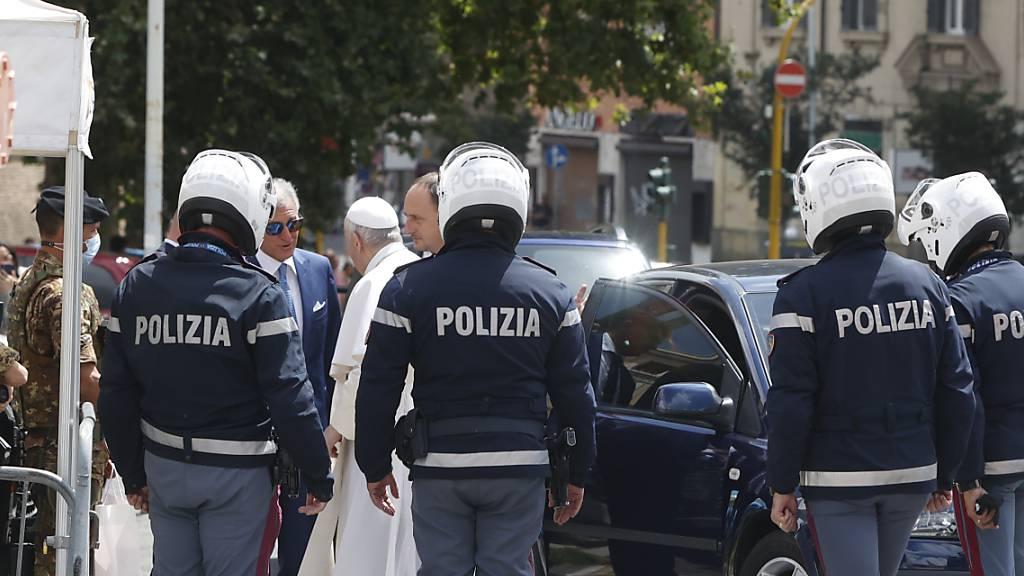 Papst Franziskus aus Spital entlassen