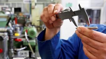 Fachkräftemangel sind gemäss Studie im Bau und in der Industrie besonders ausgesprägt. (Symbolbild)