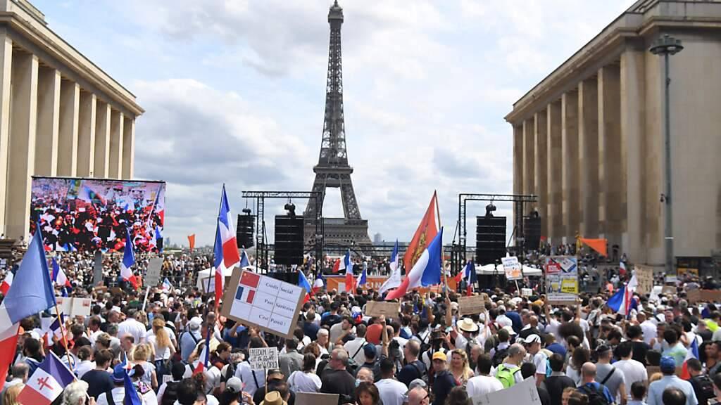 Wieder Proteste gegen strengere Corona-Regeln in Frankreich