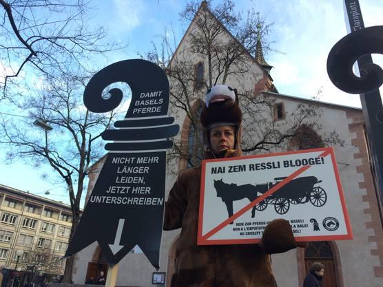 Auch im Rahmen der Plakettenvernissage protestierten die Tierschützer.