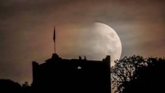 Ob hier der Mond auf der Mittleren Ruine Wartenberg Muttenz angebetet wird? Leserfoto von Peter Wehrli aus Muttenz BL.