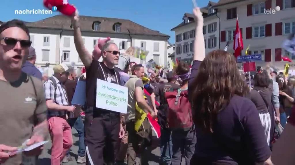 4'000 bei Corona-Demo in Rapperswil-Jona