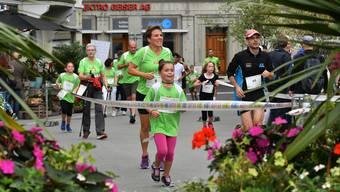 Rennen, Walken, Marschieren: am Oltner 2-Stundenlauf ist Bewegung angesagt.