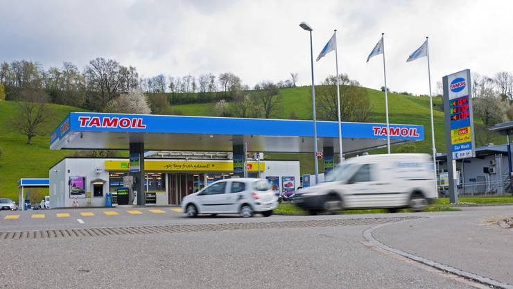Diese Tamoil-Tankstelle an der Landstrasse in Wettingen wurde gestern Abend überfallen