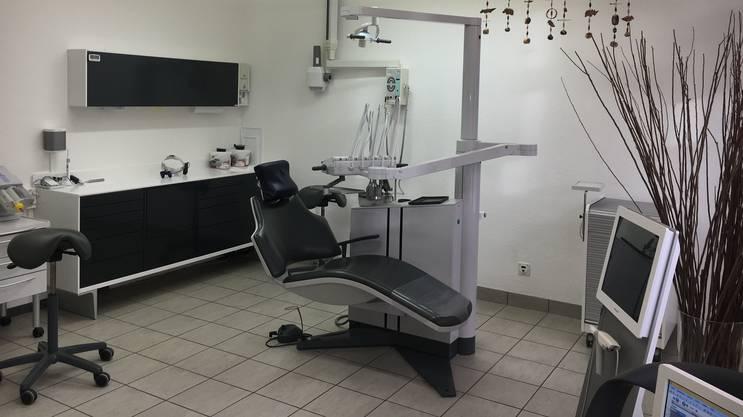 Wo einst Andacht gehalten wurde, werden heute die Patientinnen und Patienten der Zahnärzte Bremgarten GmbH behandelt.