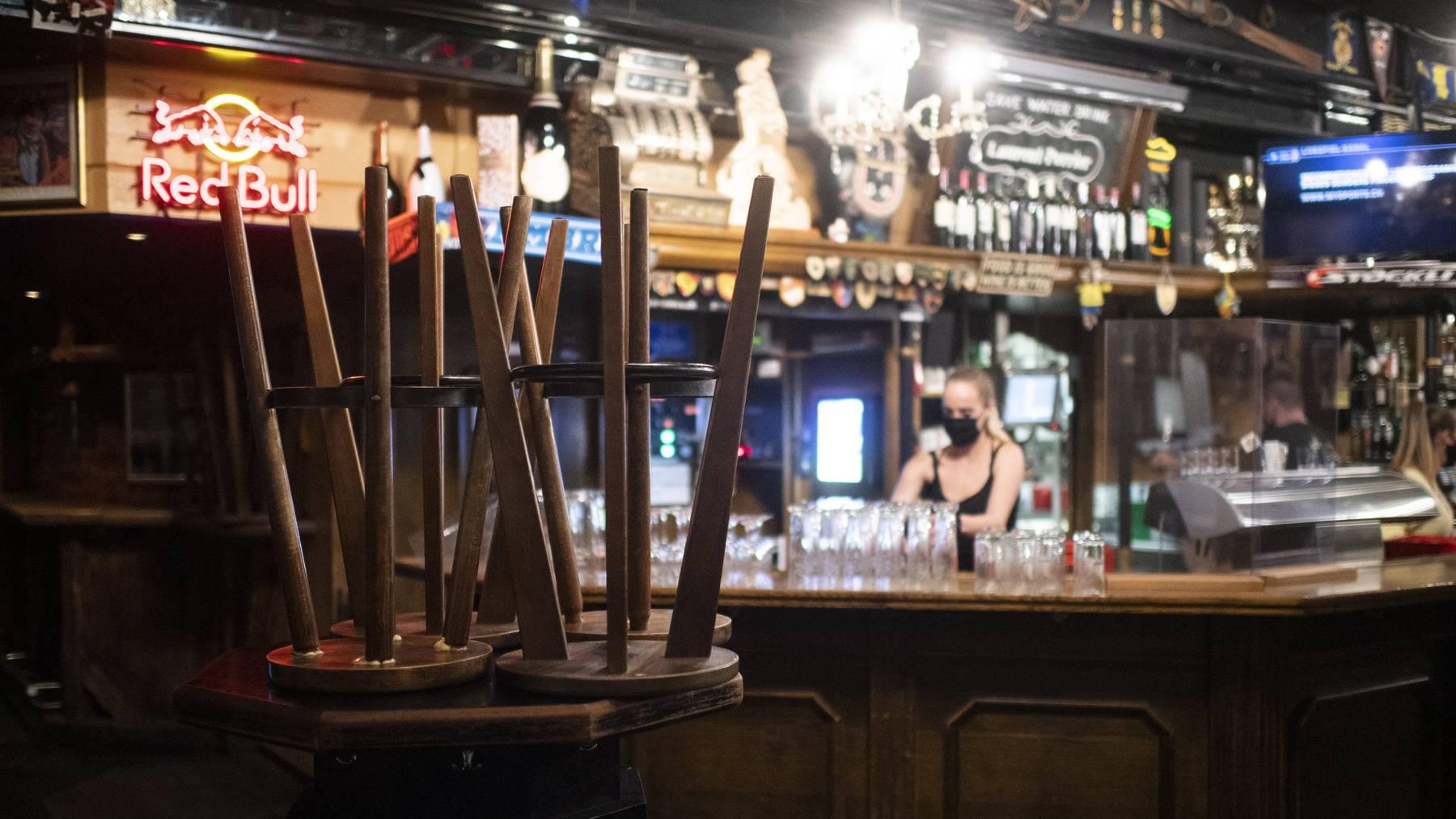 Die Restaurants und Bars bleiben im Kanton Graubünden auch weiterhin geschlossen.
