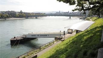 Am St. Johanns-Rheinweg wird Mitte November ein Asylschiff vertäut.