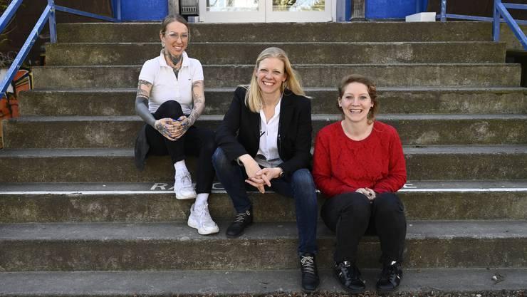 Aufklärungsprojekt im Lindenhaus (von links): Melanie Stoller, Jugendarbeiterin Lindenhaus, Susanne Molliet vom Elternrat Kastels, Tamara Moser, Leiterin Lindenhaus