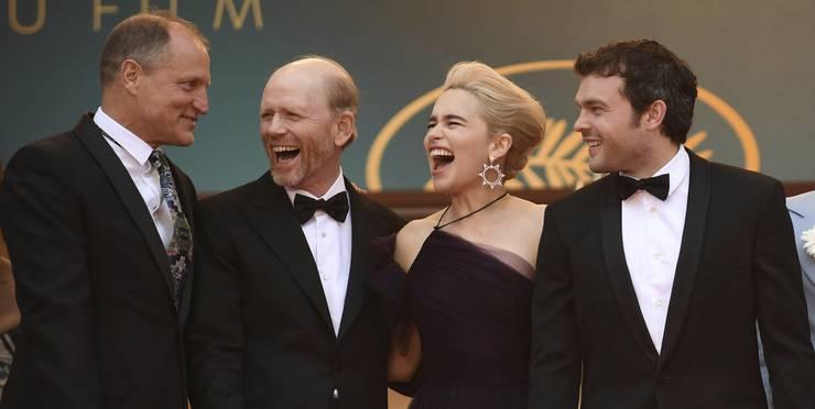 Haben gut lachen: Woody Harrelson, Regisseur Ron Howard, Emilia Clarke und Aldren Ehrenreich auf dem roten Teppich in Cannes.