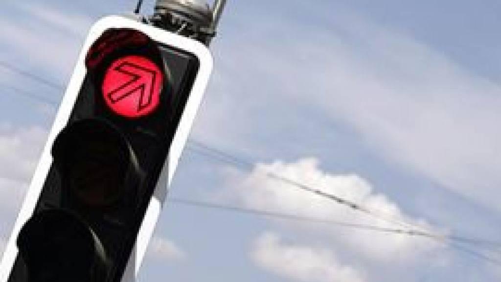 Umleitung über enge Strasse: Staugefahr an der Ibergeregg