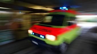 In einer spektakulären Aktion konnte der Verletzte zur Ambulanz getragen werden