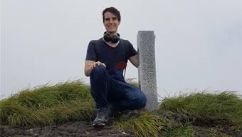 In seiner Freizeit reist Sujata gerne: Hier auf den Berg Hachijöfuji unweit von Tokio