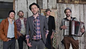 Troubas Kater mit Gitarrist, Komponist und Produzent Matthias Urech (Erster von links) und Sänger und Frontmann QC.sandra Senn