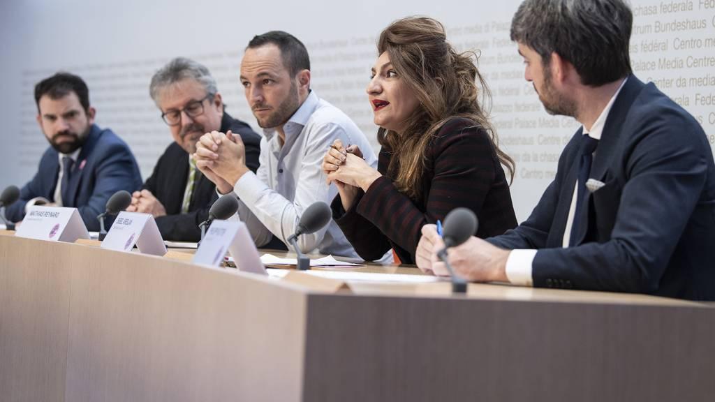 Ja-Komitee wirbt für besseren Schutz für Homosexuelle
