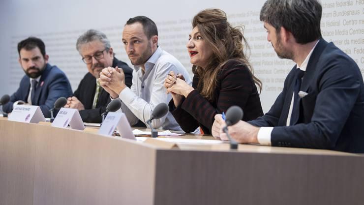 Befürworten die Vorlage vom 9. Februar: Für das überparteiliche Komitee verbessert die neue Antirassismusstrafnorm den Schutz von Homosexuellen.