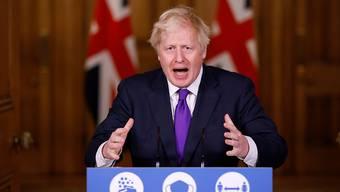 Der britische Premier Boris Johnson spricht in der Downing Street über die Corona-Pandemie. Foto: John Sibley/PA Wire/dpa