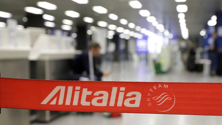 Die finanziell angeschlagene Fluggesellschaft Alitalia erhält von der italienischen Regierung einen weiteren Hilfskredit über 400 Millionen Euro. (Symbolbild)