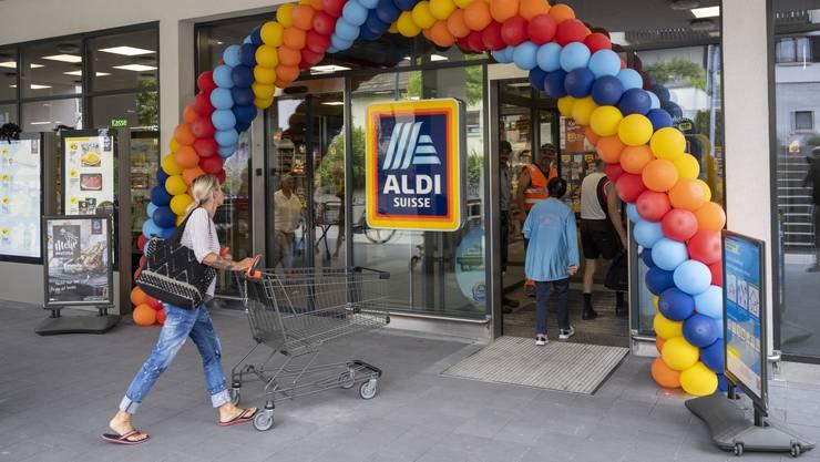 Aldi sieht sich nach neuen Standorten im Aargau um. Im Bild: Die Filiale in Fislisbach wurde letzte Woche nach zwei Monaten Umbauzeit wiedereröffnet.