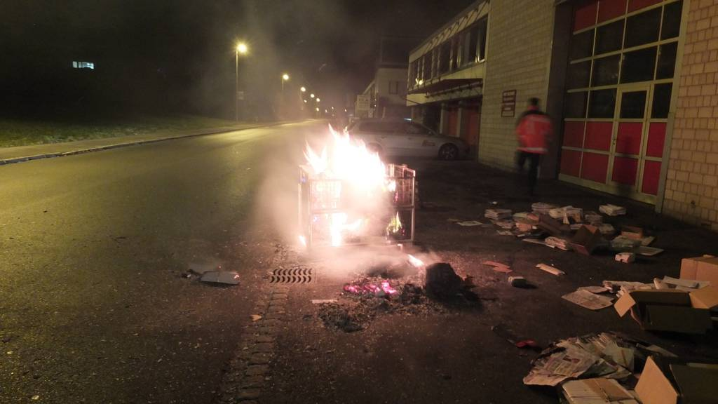 Die brennende Palette konnte von der Feuerwehr Gossau gelöscht werden.