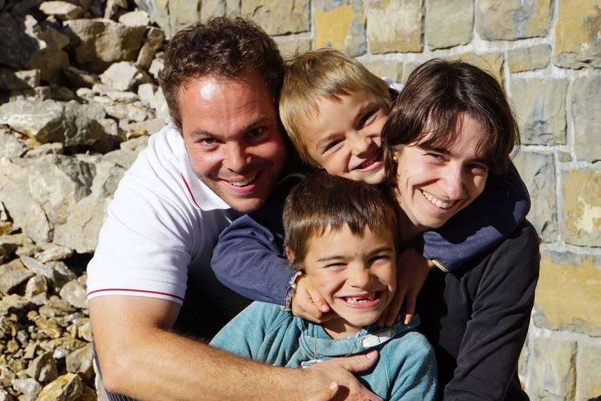 Albert und Anita Wyss mit ihren Kindern (Bild: zVg)
